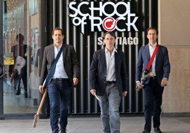 Ex alumnos de Ingeniería Comercial de la UC llevan el rock por Latinoamérica