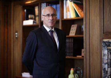 """Arturo Tagle, Premio Ingeniero Comercial UC Distingido 2019: """"Más que un mérito individual, estoy representando a muchos de esas generaciones que han estado dirigiendo empresas"""""""