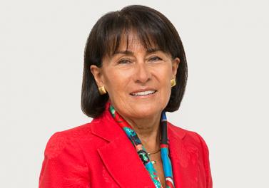 """Victoria Vásquez, Premio Ingeniero Comercial UC Distinguido 2020: """"Esto también está dirigido a mis colaboradores y jefes que he tenido, porque todo siempre ha sido trabajo en equipo"""""""