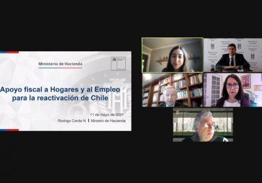 Ministro de Hacienda y académicos de la Facultad abordaron claves y desafíos para la recuperación económica en Chile