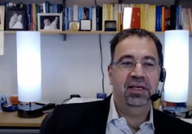 Economista Daron Acemoglu habla sobre el proceso constituyente chileno en webinar organizado por la Facultad