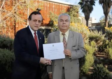 4 funcionarios de la Facultad fueron premiados por sus años de servicio en la UC